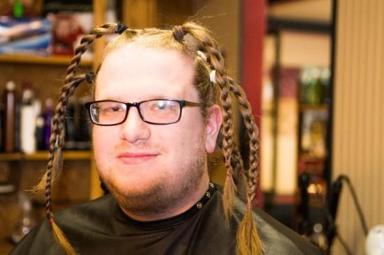 7 ponytails